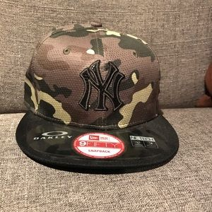 Oakley/NewEra Limited NY Yankees Snapback NWT